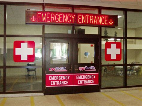 Uw Hospital Emergency Room by Glass In Healthcare Installations