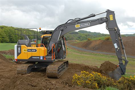 rj mcleod expands volvo excavator range project plant