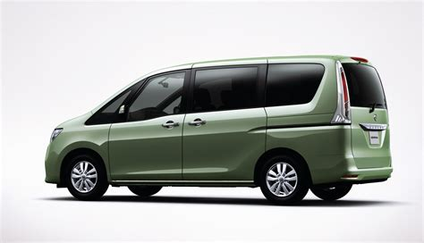 nissan japan 2011 nissan serena minivan makes its introduction in japan