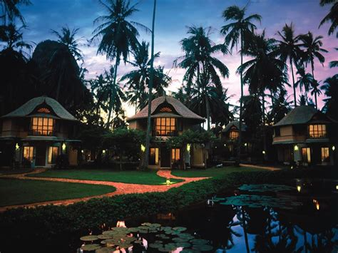 top  luxury hotels  thailand  east asia travel