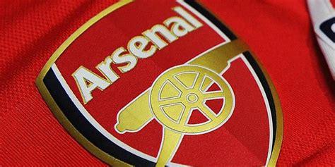 arsenal net arsenal berhasil datangkan juru transfer barcelona bola net