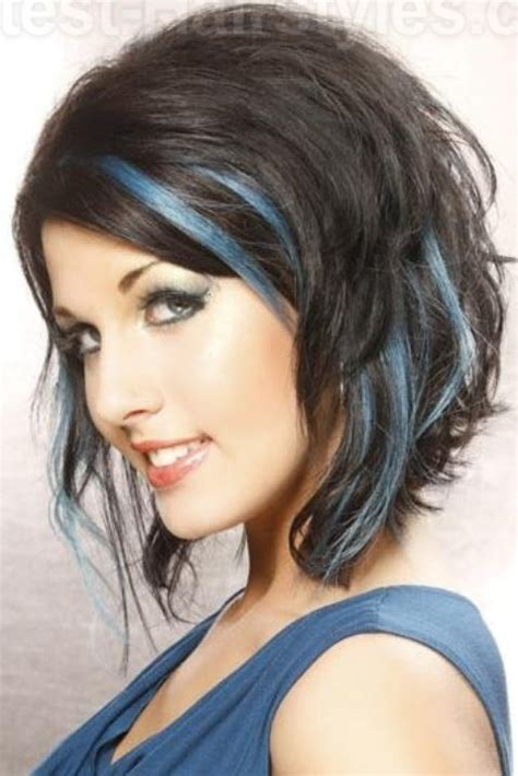 is streaking still popular on hair wavy angled bob with layers and blue streaks i like it