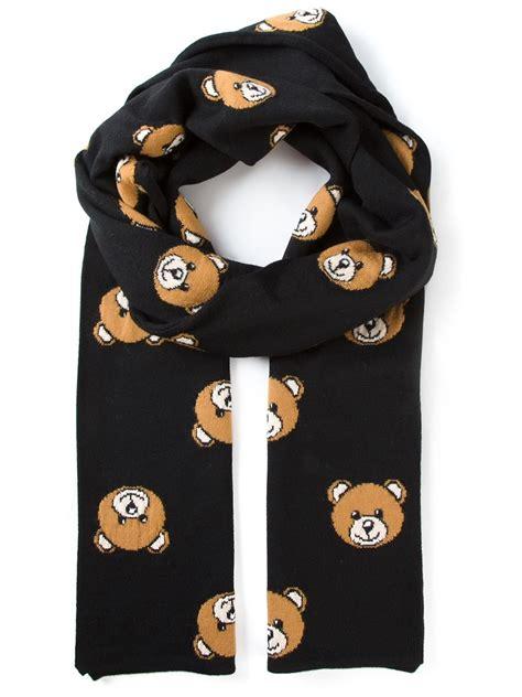 moschino intarsia teddy scarf in black lyst