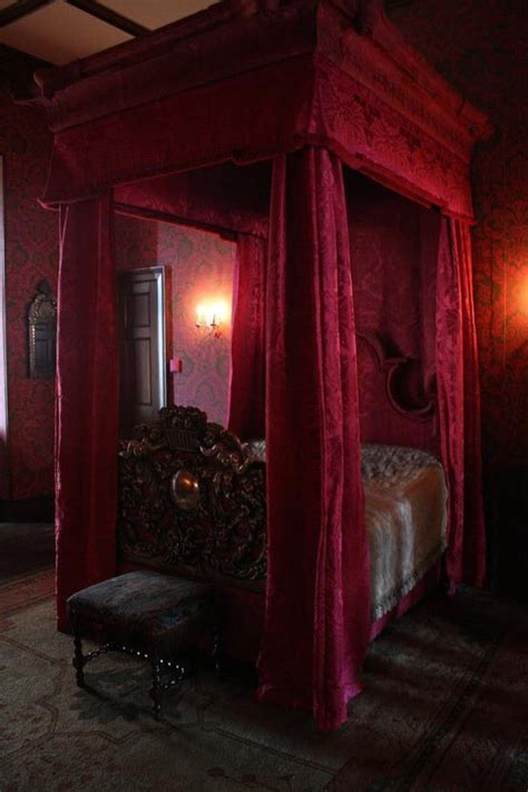 gothic bed now this is a canopy bed gothic beauty pinterest