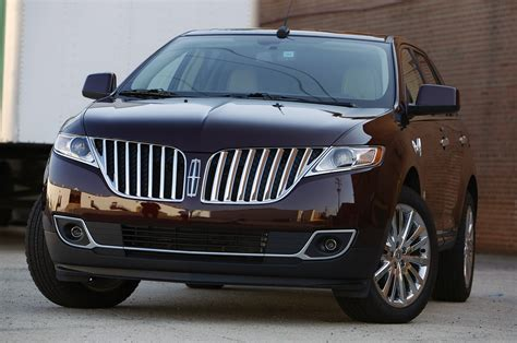lincoln mkx car on the road wallpapers and images wallpapers pictures photos