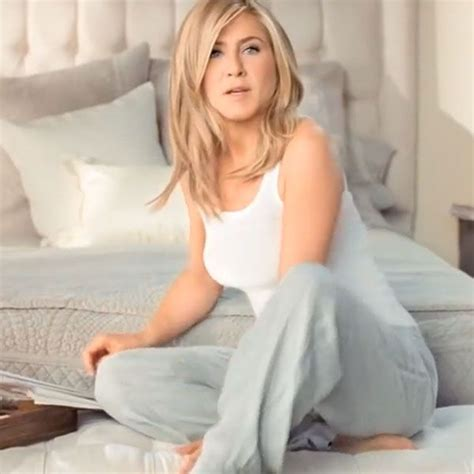 short hair in tv commercials aveeno jennifer aniston skin advice commercial hair
