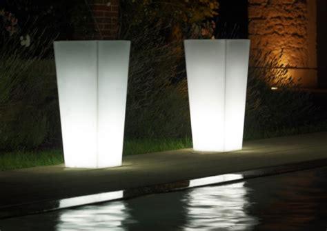 vaso luminoso da esterno vaso luminoso quadrato arredo giardino