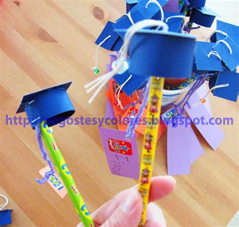 lapices para decorar el salon pegostes y colores mini birrete de graduacion con lapiz