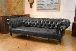 Chesterfield Sofa Leather Blanc Noir Maybe A Chesterfield