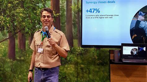 trade show presenter spark presentations spark presentations professional emcees auctioneers