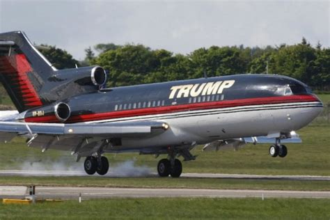 s plane trump s plane makes emergency landing in nashville