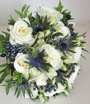 Sprei Kendra Flower white flowers with a touch of blue thistle bouquet jason
