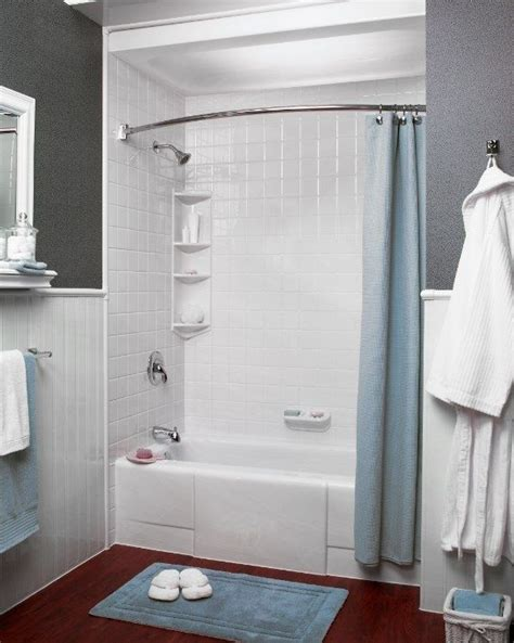 we love this simple grey and white color scheme bath