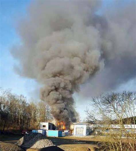 Autowerkstatt Portal by Feuer In Autowerkstatt Fahrl 228 Ssige Brandstiftung War Die