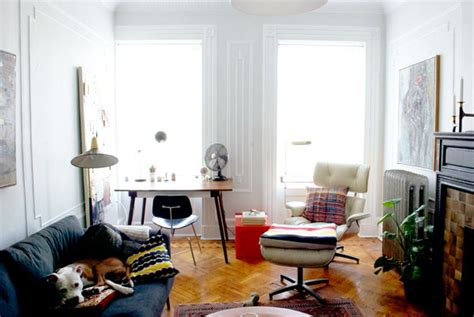 eames lounge chair  small nyc apartments   small spaces