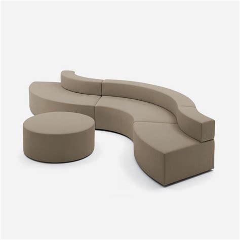divani curvi divani curvi divano curvo con struttura in legno