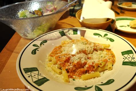 3 cheese ziti olive garden a dinner date with my at the olive garden