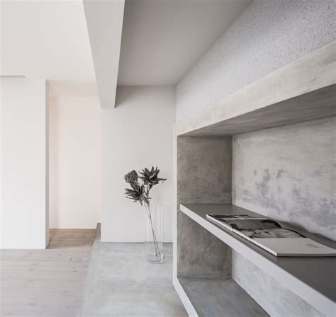 combined art gallery  living space  japan ems