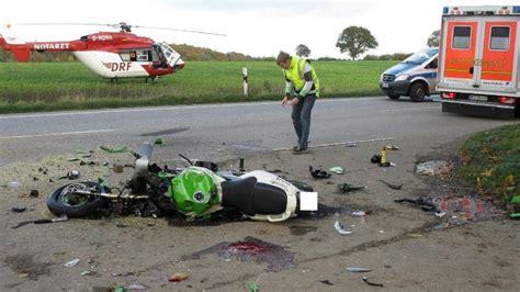 Motorrad Tote Deutschland by Motorrad Crash Unfalltote Waren Erst 20 Und 29 Jahre Alt