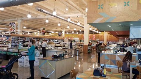 whole foods market the woodlands restaurant reviews