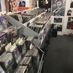 Records Cincinnati Ohio Everybody S Records 15 Fotos Y 38 Rese 241 As M 250 Sica Y Dvds 6106 Montgomery Rd