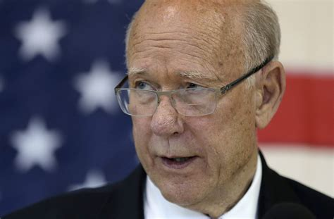 rally house olathe veteran us sen roberts wins kansas gop primary daily mail online