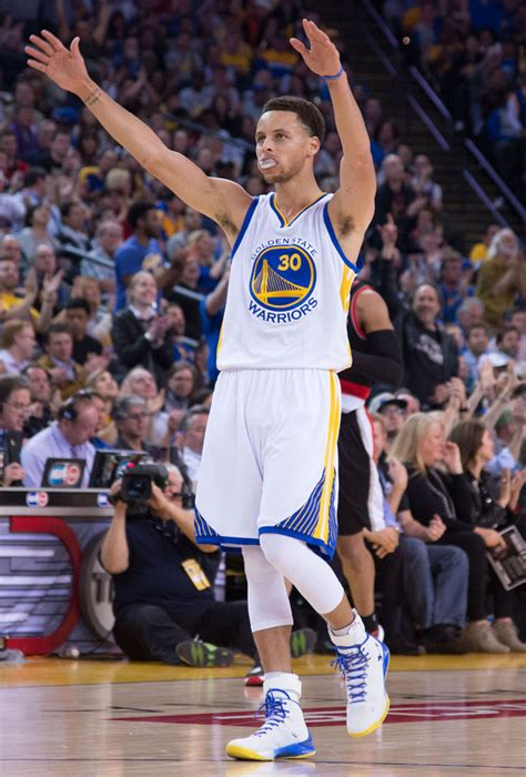 Sepatu Basket Armour Curry Two Low Usa Home stephen curry his own record in the armour