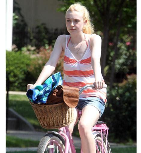 imagenes que se mueven de katy perry las celebrities se mueven en bici katy perry