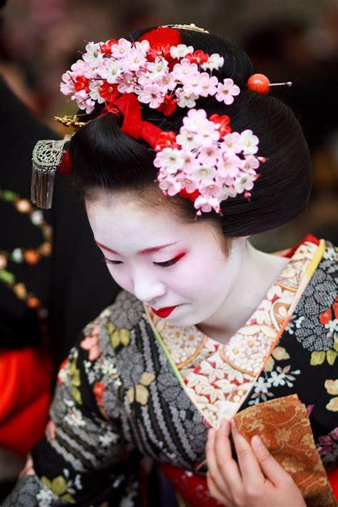Eyeliner Kimono 9 best images about geisha fashion on