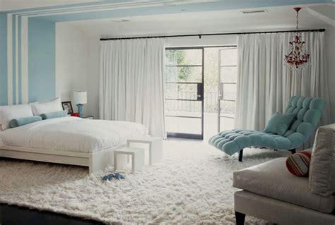teppich im schlafzimmer teppich in wei 223 schick und stilvoll archzine net