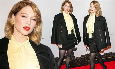 lea seydoux isle of dogs lea seydoux at isle of dogs premiere in paris daily mail