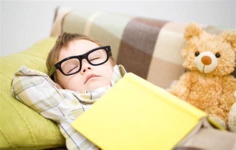 pipi a letto 6 anni enuresi notturna dalla parte di un bambino mamma felice