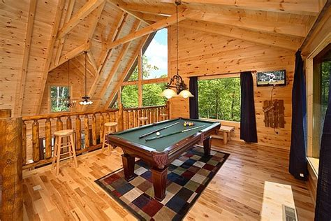 pool house  gatlinburg cabin rental