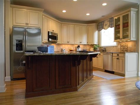Lowes Kitchen Design Center Portsmith Maple By Kraftmaid Cabinetry Traditional Kitchen Atlanta By David L