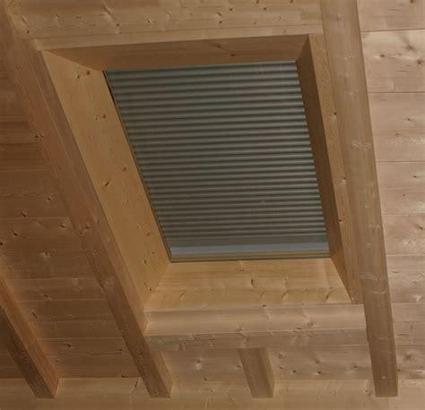 dachfenster mit rolladen dachfenster mit integriertem rollladen