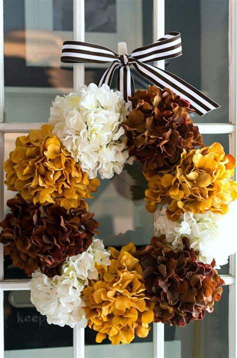 charming fall wreath ideas  front doors