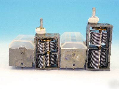 what does a capacitor do in an air conditioner what do capacitors do electronic components