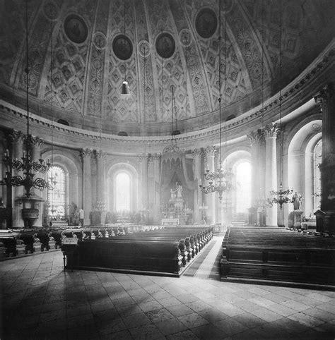 Lovely Church Chicago #4: M_Hedwigskirche_Berlin_innen_1886.jpg