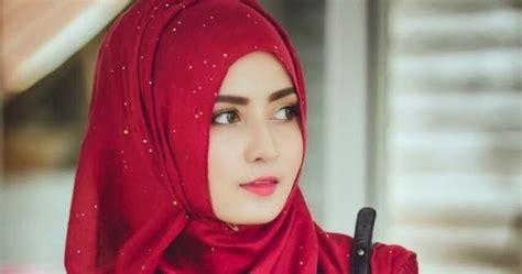 Setelan Beautiful hijaber malaysia cantik banget dengan setelan serba merah