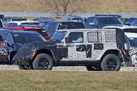 camo jeep 2018 jeep wrangler jl sheds some camo during final testing
