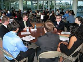 Round Table Careers Eller Alum Comes Full Circle At Networking Event 187 Eller Buzz