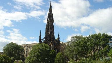 woman dies after falling from the scott monument in edinburgh