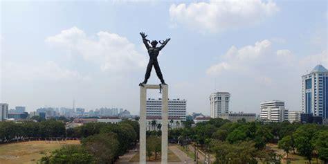 pembebasan irian barat monumen keteguhan tekad rakyat