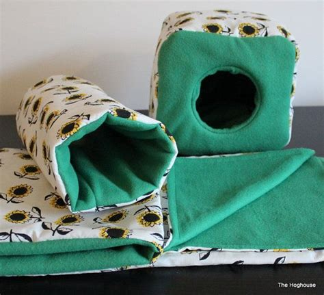 best bedding for hedgehogs 25 best ideas about hedgehog cage on pinterest hedgehog
