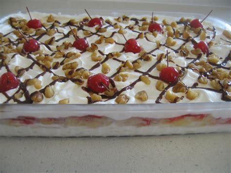 banana split layer dessert