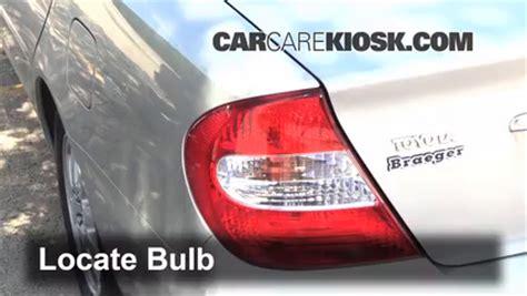 what causes brake lights not to work brake light change 2002 2006 toyota camry 2004 toyota