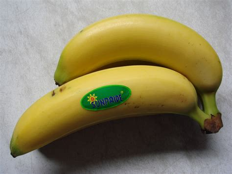 bob parpunguan fernandus penjualan buah pisang