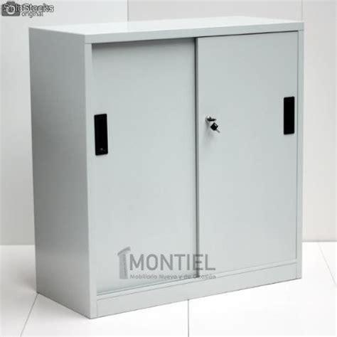 armario metalico puertas correderas en gris de segunda mano