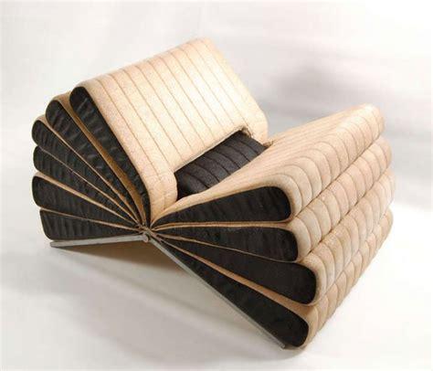 poltrona per leggere la poltrona libro di pareschi leggere e riposarsi