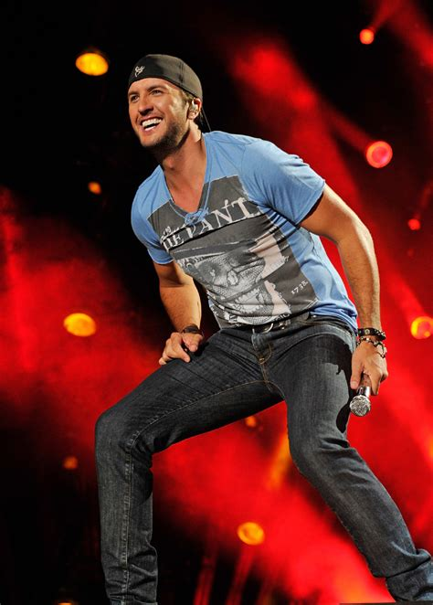 luke bryan music lollapalooza livestream watch sets from outkast to